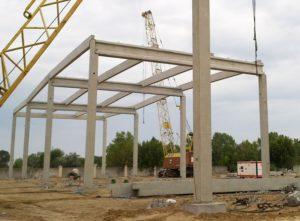 Монтаж елементів з/б каркасу вир-ва «Обербетон». Будівництво будівельно-господарського гіпермаркету «Епіцентр»