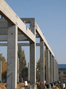 Влаштування збірного з/б каркасу при будівництві центру оптової торгівлі METRO (м. Житомир)