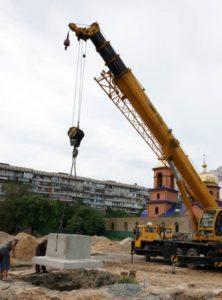Встановлення фундаментного стакану при будівництві ТЦ «Полярний», м. Київ