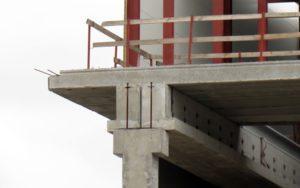 Змонтовані консольні плити виробництва «Обербетон». Будівництво ТРЦ «Проспект» в Києві