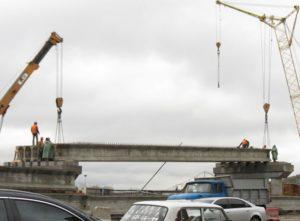 Встановлення попередньо напружених мостових балок виробництва «Обербетон»