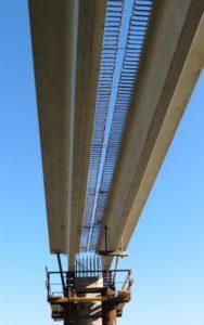Мостові балки зі звичайним армуванням при буд-ві пішохідного мосту