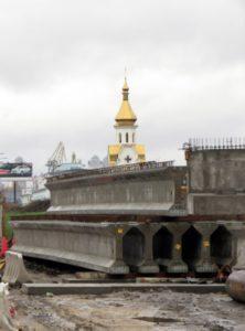Pre-stressed bridge beams 24 m in length. Reconstruction of an interchange on Poshtova Sq., Kiev