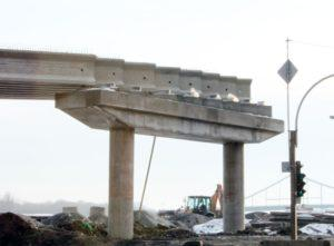 """Prestressed concrete bridge beams in length from 24 to 30,7m, produced by """"Oberbeton"""""""