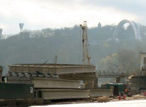 "Installated pre-stressed bridge beams produced by ""Oberbeton."" Reconstruction of an interchange on Poshtova Sq., Kiev"