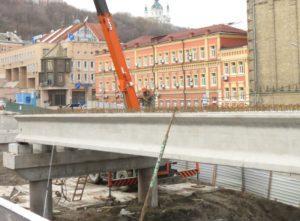 Установленные преднапряженные мостовые балки производства «Обербетон»