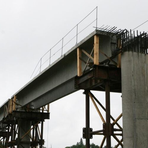 Строительство пешеходного моста на трассе Киев-Чоп, с. Березовка Житомирской обл.